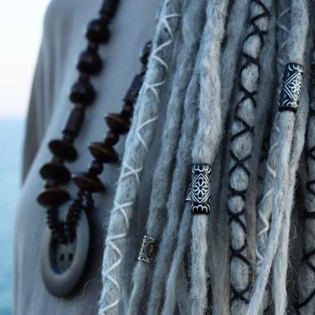 Abalorio para rastas de cerámica africana, blanco y negro